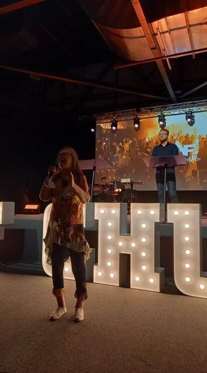 Zdjęcia Pastor Marii Dąbrowskiej znabożeństwa 1rocznicy NOF wWarszawie